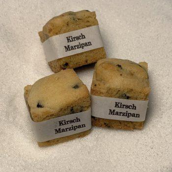 Cookie Cube Kirsch Marzipan